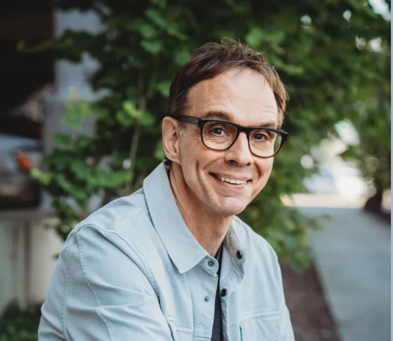 Dr. David Kresta